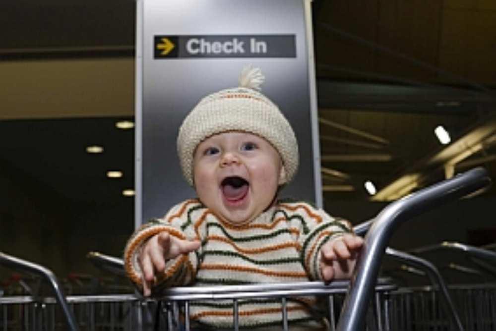 dziecko-na-lotnisku