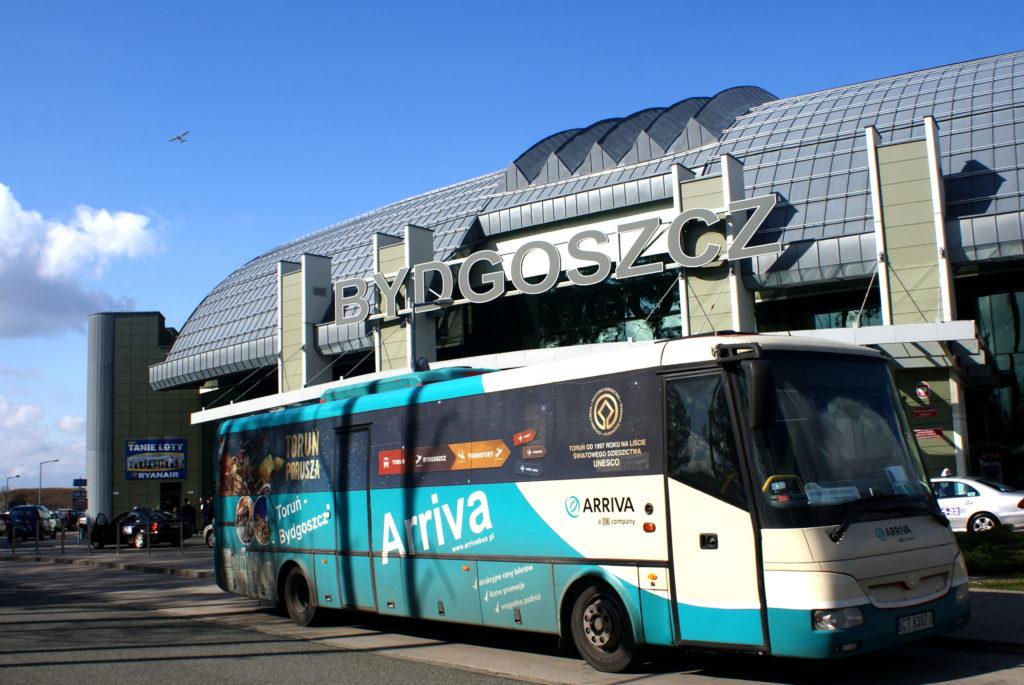 bus z lotniska do Torunia