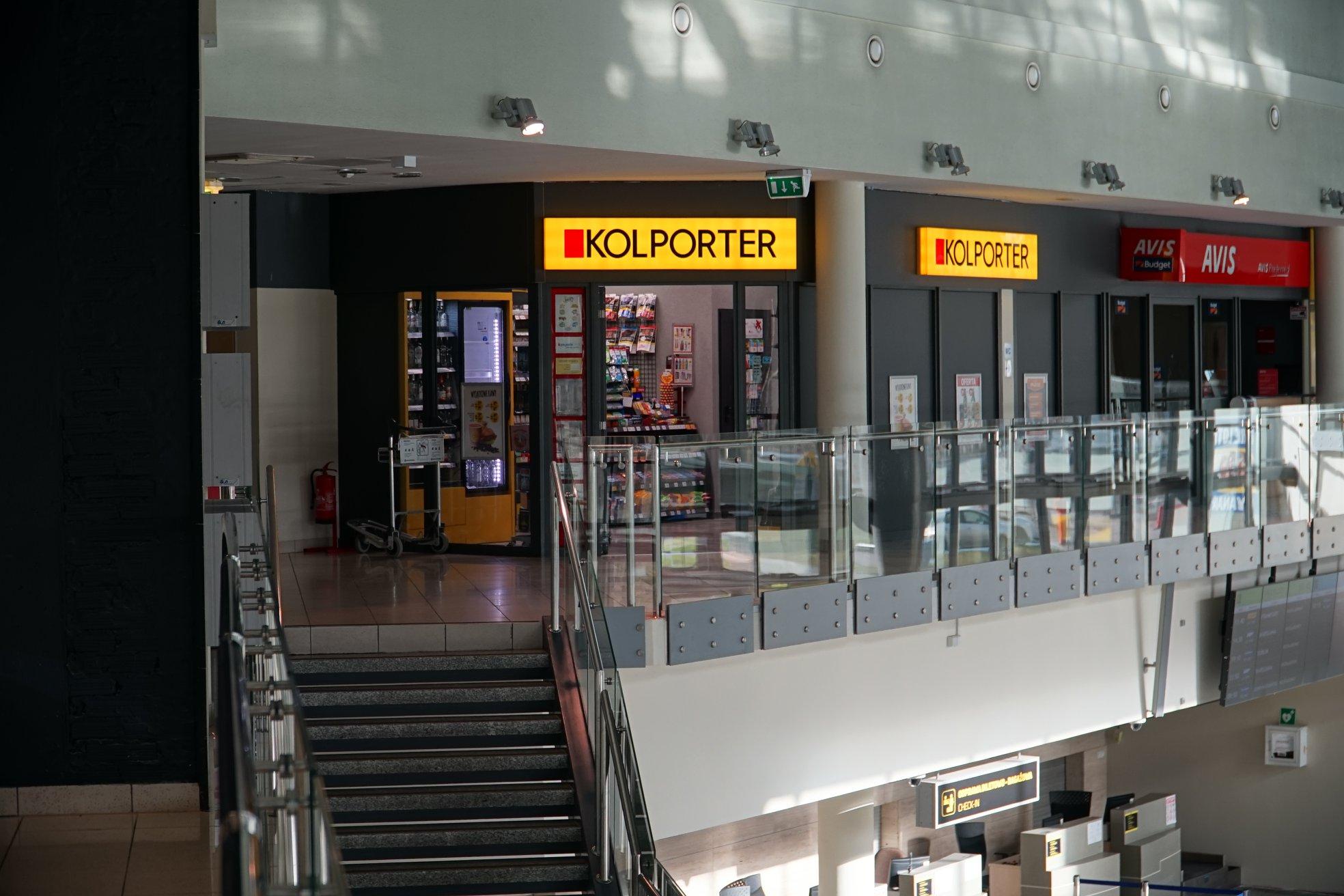 kolporter sklep na lotnisku